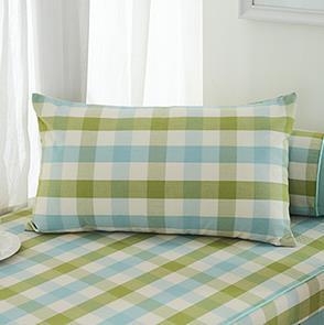 绿色格子方形抱枕