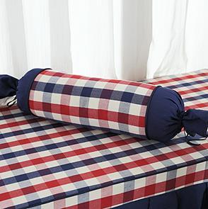 蓝色格子糖果抱枕