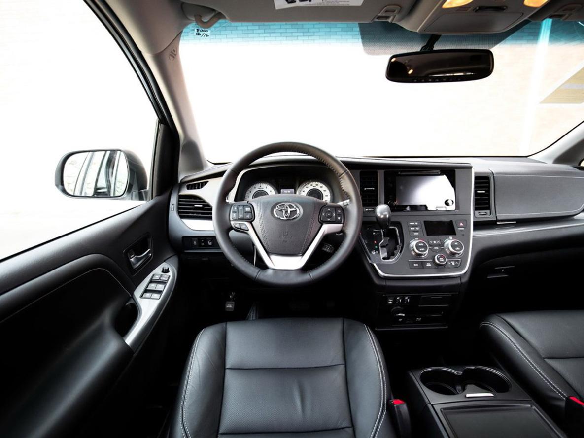 丰田塞纳奢华内饰超级改装,航空座椅改装新车卓而不凡的品质,坚实