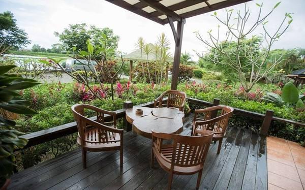 大片大片的绿草坪,充满慵懒气息的下午茶,还要有一个看得见风景的房间