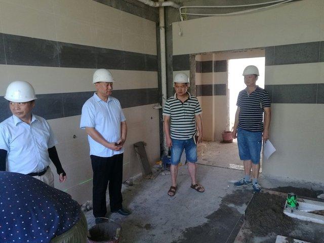 董事长朱定强率队检查学院暑期基建改造工程