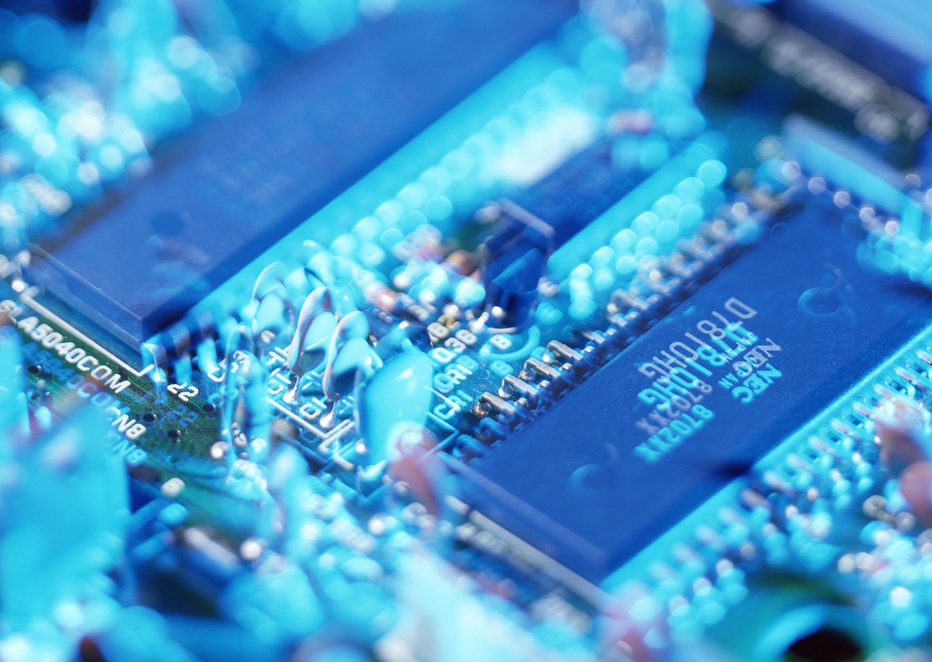 投建大硅片项目对我国集成电路产业的意义主要在于上游(原材料端)的
