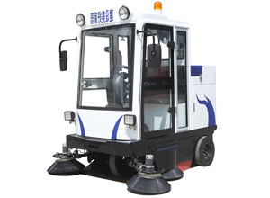 YTE800FB驾驶式扫地机