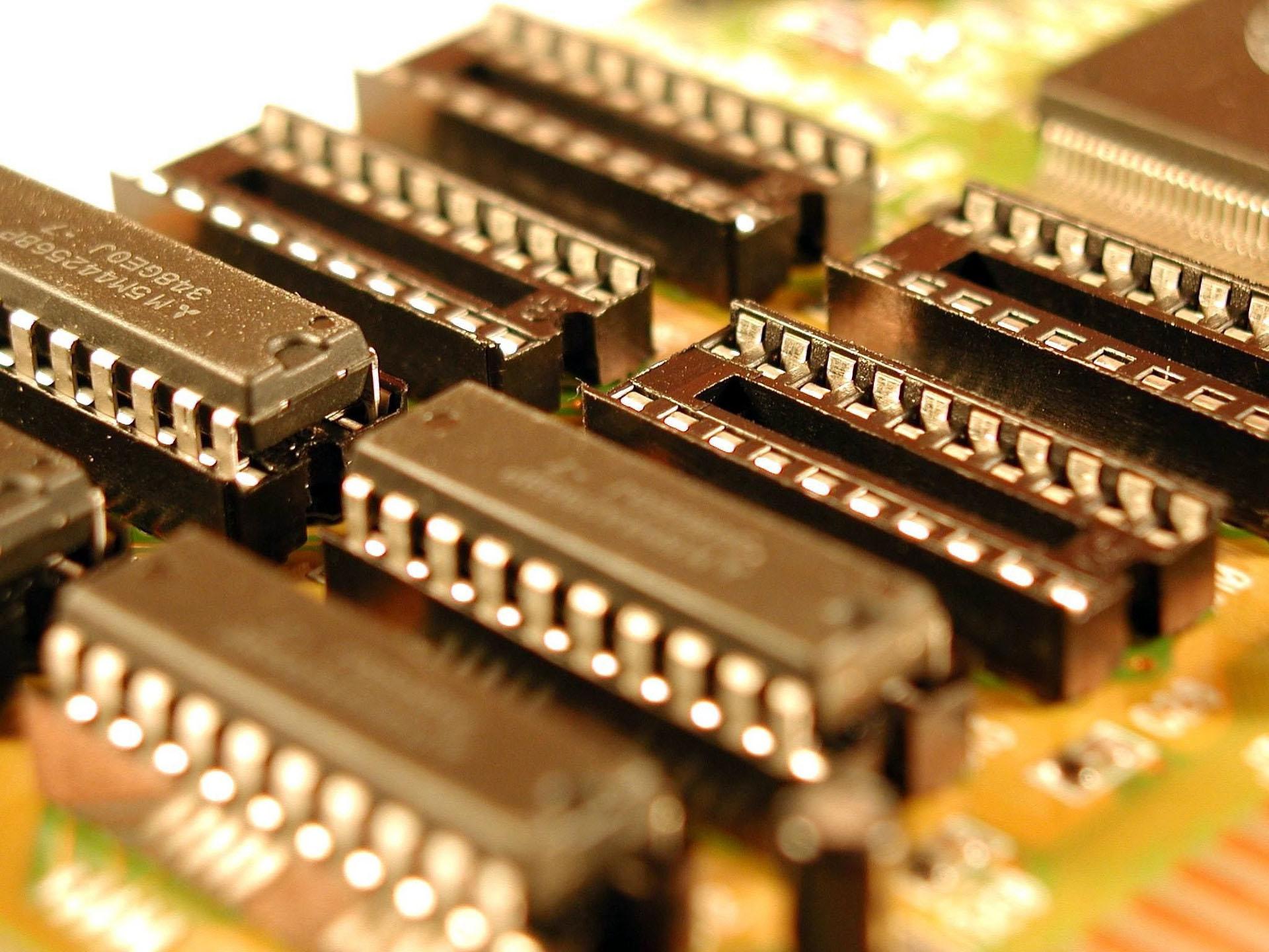 重庆加快推动集成电路产业和工业互联网创新发展