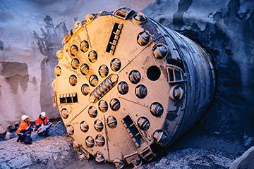 岩石隧道掘进机(TBM)