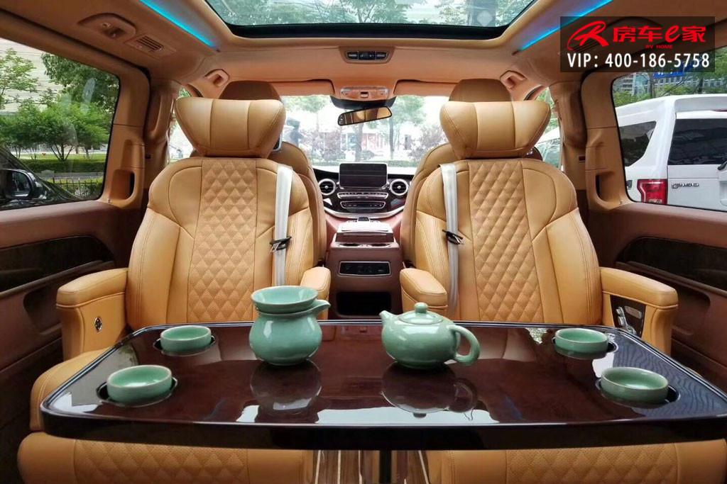 奔驰v260商务车7座mpv豪华改装内饰