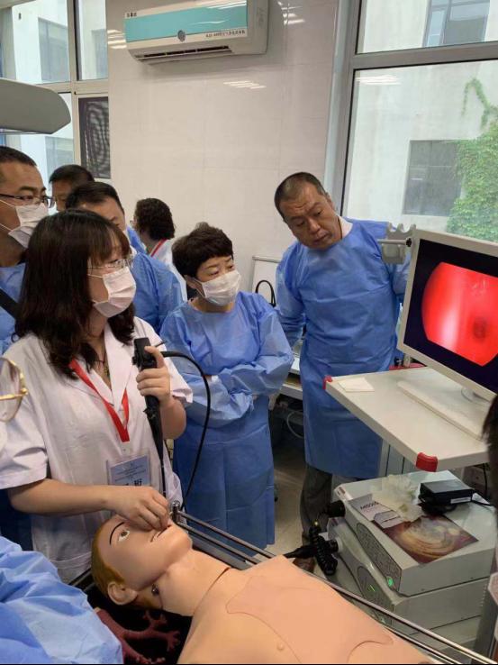 上海成运携手北京应急总院开展基层气管镜镜下介入治疗学习班