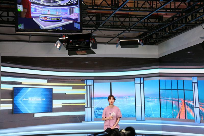 Di Lepu breaks through the virtual and real studio boundaries to achieve 1+1>2