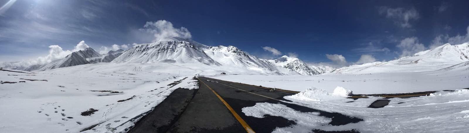 万山堆积雪,积雪压万山——中巴口岸红其拉甫