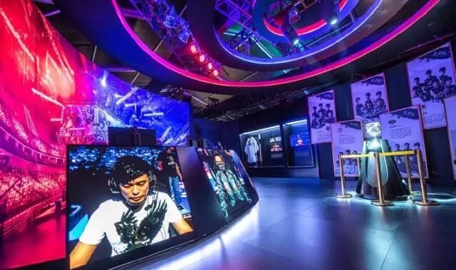 《英雄联盟》全球首个文化体验快闪店登陆中国