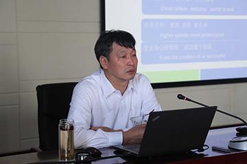 中铁工业机关举行2017年第三次党课学习