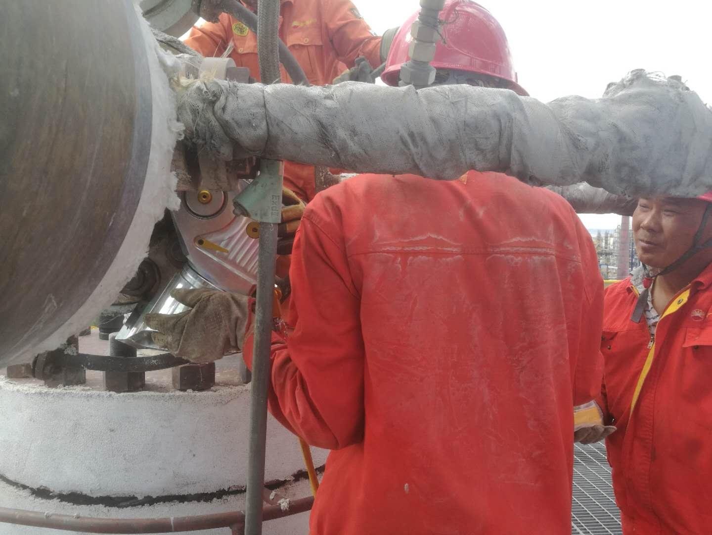 拜尔服务于中石油克拉玛依项目的检修项目正在紧张施工中