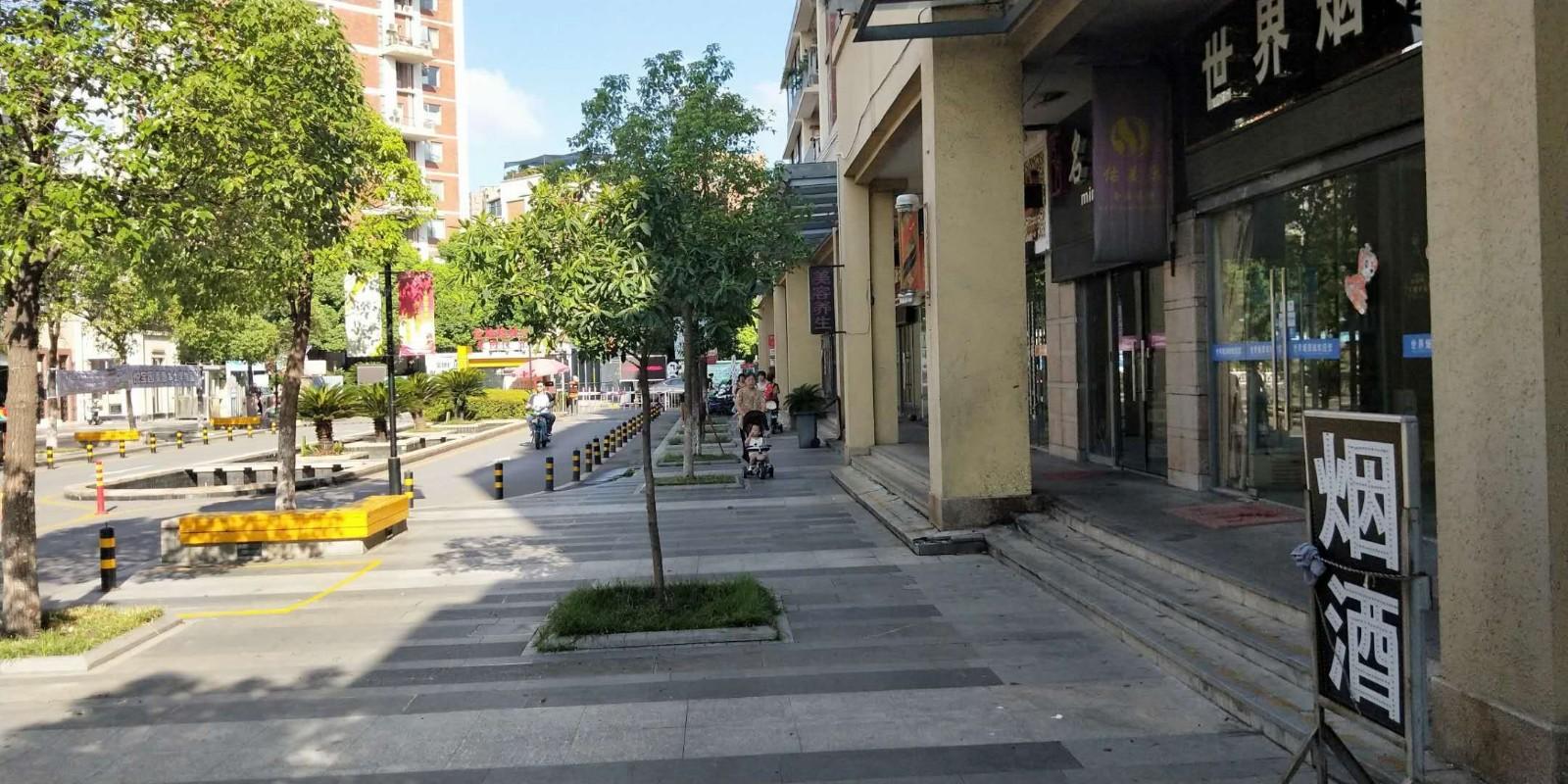 洪山小区门口60平超市优转/无行业限制