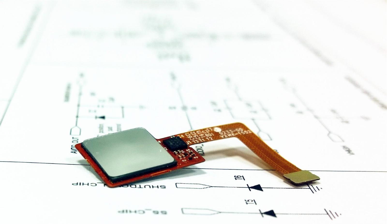 自、互容触控屏控制芯片