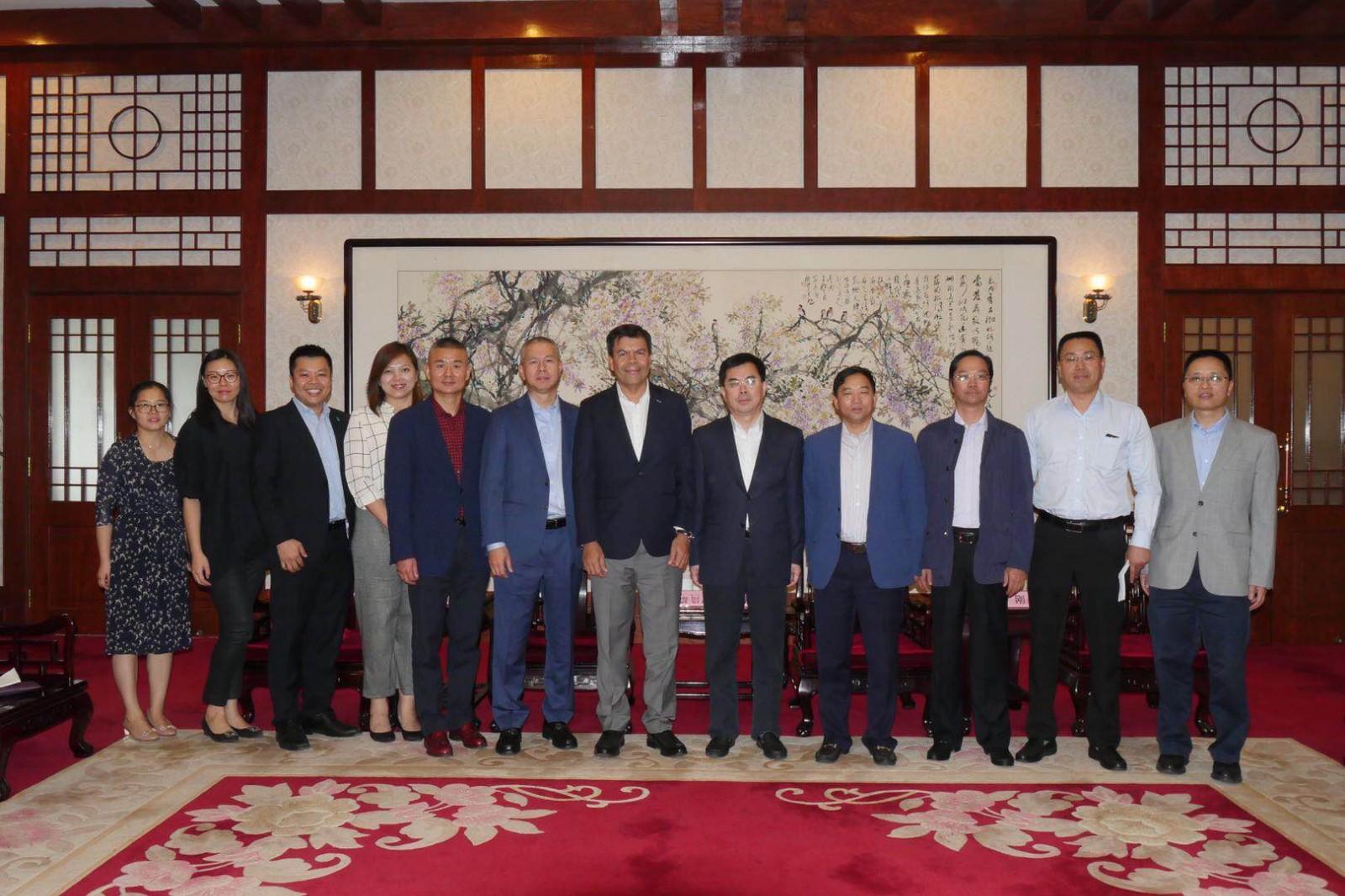 江阴市领导会见马来西亚客商