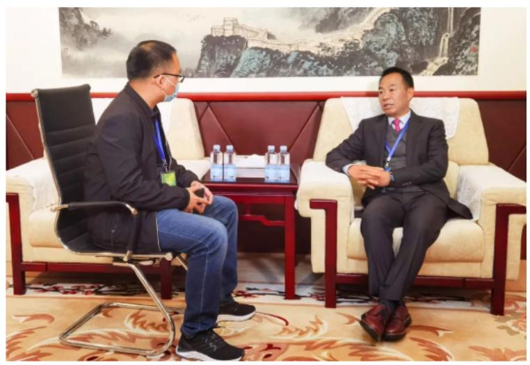 集團董事長黃明良先生出席首屆科學與大健康高端論壇